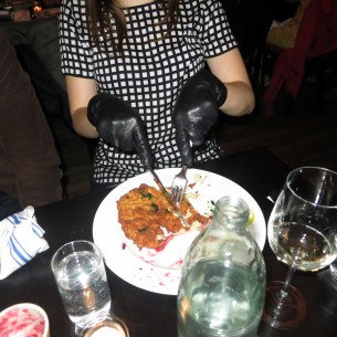eating with gloves