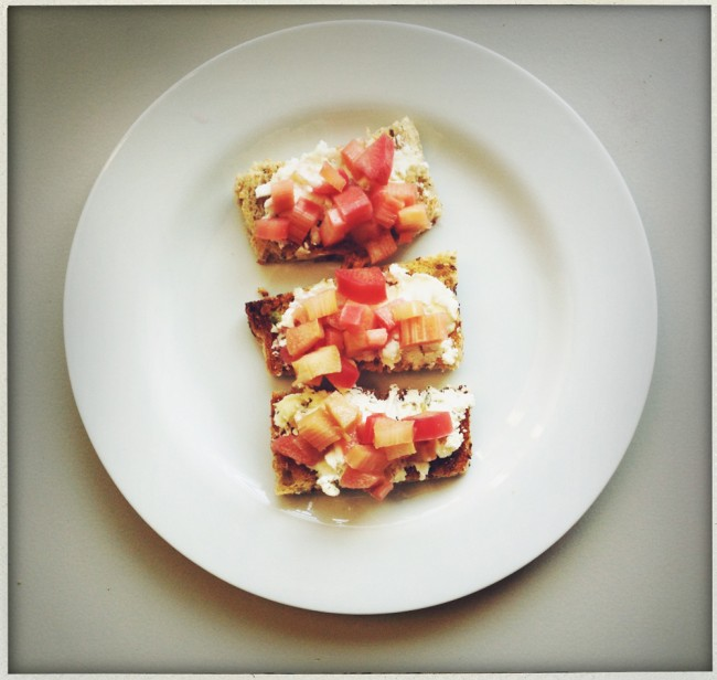 rhubarb toasts